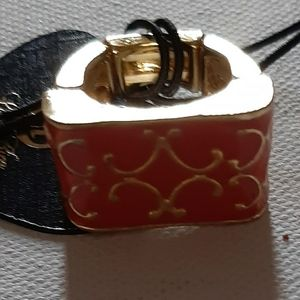 Ring pink and gold tone